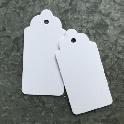 Étiquettes de carton blancs vierges (x 250)